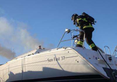 Brand i båd på Holbæk Marina