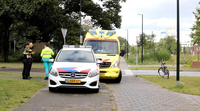 Automobilist ziet fietser over het hoofd Prins Willem Alexanderlaan Apeldoorn
