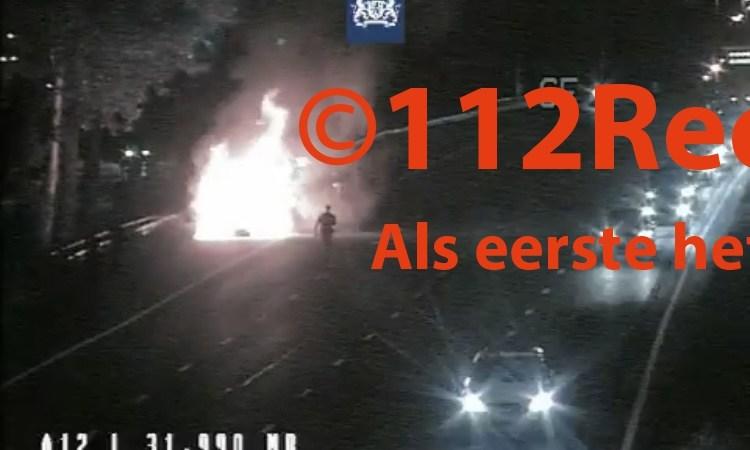 3 rijstroken afgesloten bij felle voertuigbrand op de A12