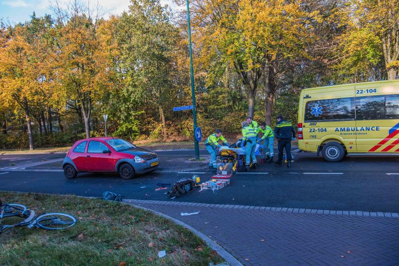 Fietsster in kritieke toestand na ongeval in Nuenen.