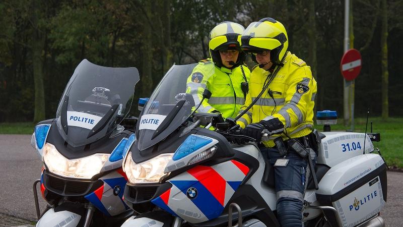 Drie gewonden bij ongeval op de A50, veroorzaker rijdt door.