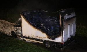 Uitgebrande vrachtwagen met xtc-afval