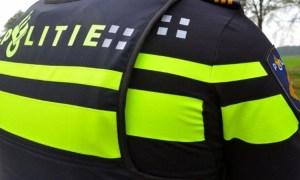 Politieagent op de rug
