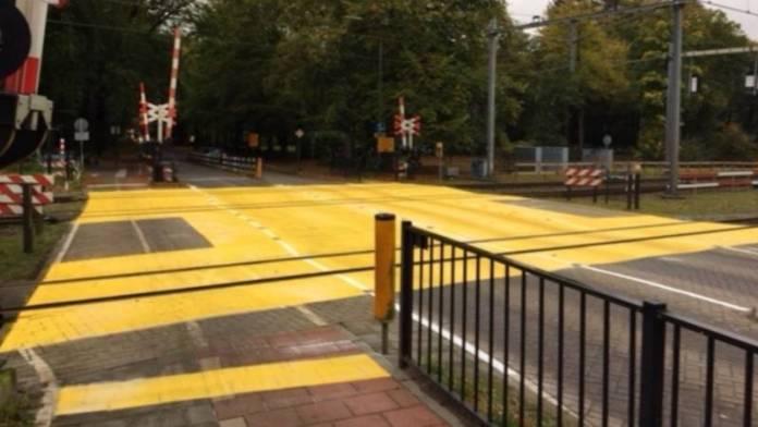 Gele overweg