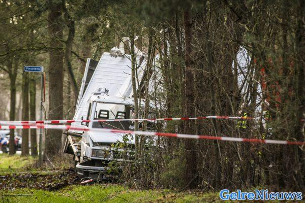 Vrouw komt om bij ongeval met paardentrailer in Hengelo.