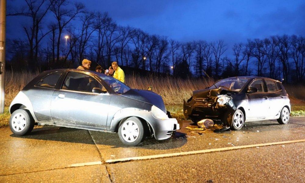 Weer ongeval A59 afrit Drunen, meerdere gewonden.