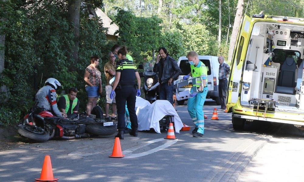 Motorrijder zwaargewond bij ongeval.