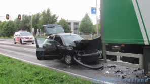 Veel schade aan het achterop gereden voertuig