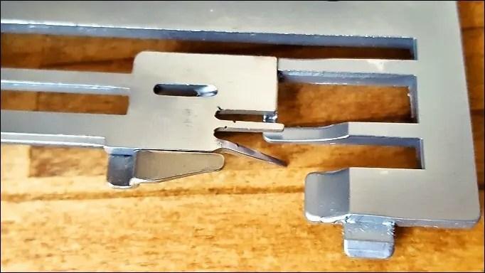 ロックミシンの針板修理【babylock エクシムロックES4D】