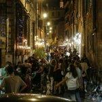 Covid, nuovo Dpcm: vietato sostare in piedi fuori da bar e ristoranti