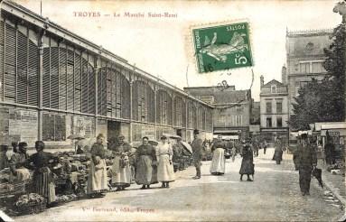Carte postale, Troyes - Le Marché Saint-Remi, CPLOCAL05302, Médiathèque du Grand Troyes, photo P. Jacquinot, X. Sabot
