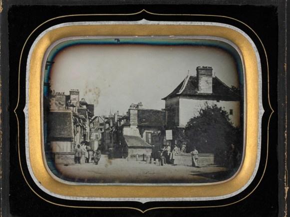 Rue de la Grande-Tannerie vue du pont des Tanneries, daguerréotype (17 x 14 cm), vers 1855, Médiathèque du Grand Troyes, photo P. Jacquinot