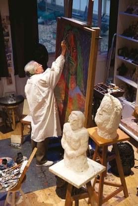 Martine Martine dans son atelier, photo Bertrand Michau