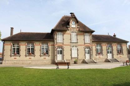 Mairie-école de Laines-aux-Bois 1911-1917. Photographie Maison de Patrimoine