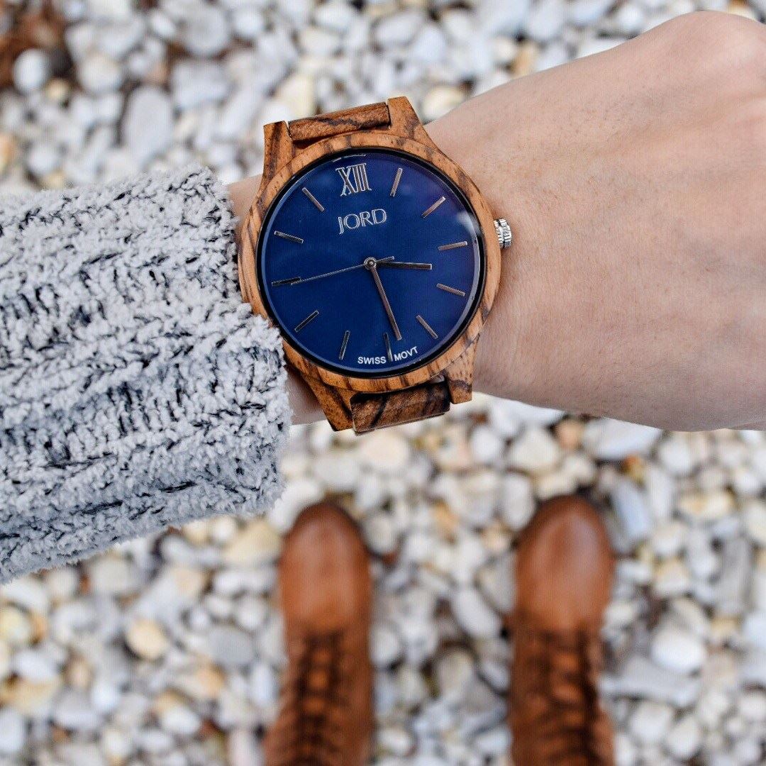 15 Amazing Wooden Watches To Try Right