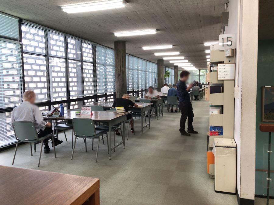 神奈川県立図書館(紅葉ヶ丘)本館2F写真。