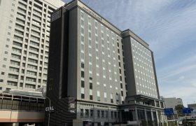 JR桜木町に建設中のJR桜木町ビルの外観写真