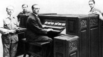 Eloi Coiupleaux at the keyboard of the Orgue Des Ondes