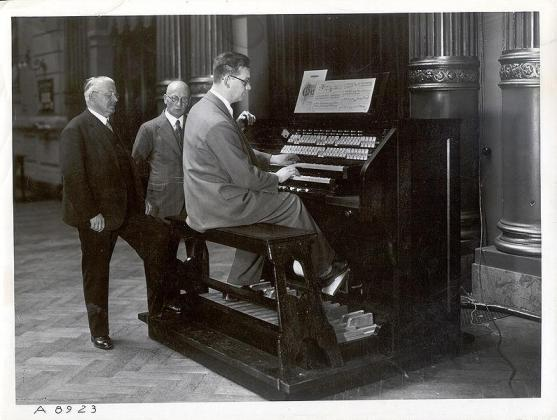 "The ""Welte Licht-Ton Orgel"" (Light-Tone organ) (1936)"