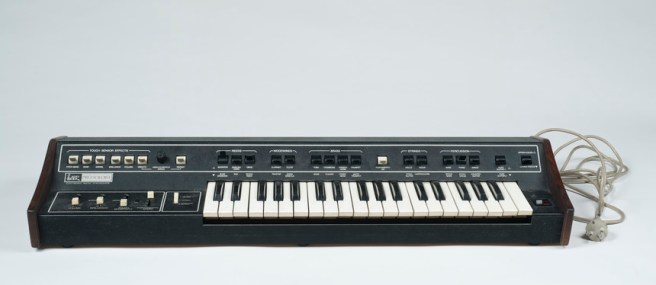 Analog Synthesiser – 120 Years of Electronic Music