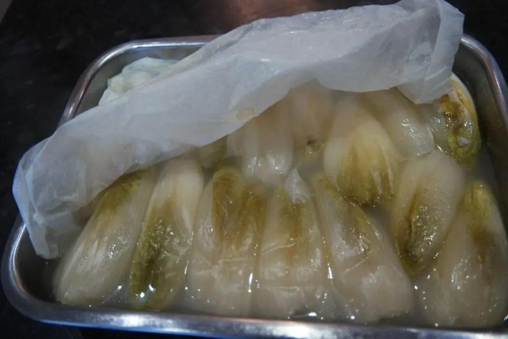 Cuisson des endives sans amertume astuces de chef - Comment cuisiner les endives ...