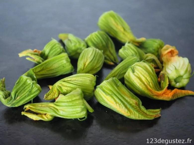 fleurs de courgette farcies roquefort-noisette