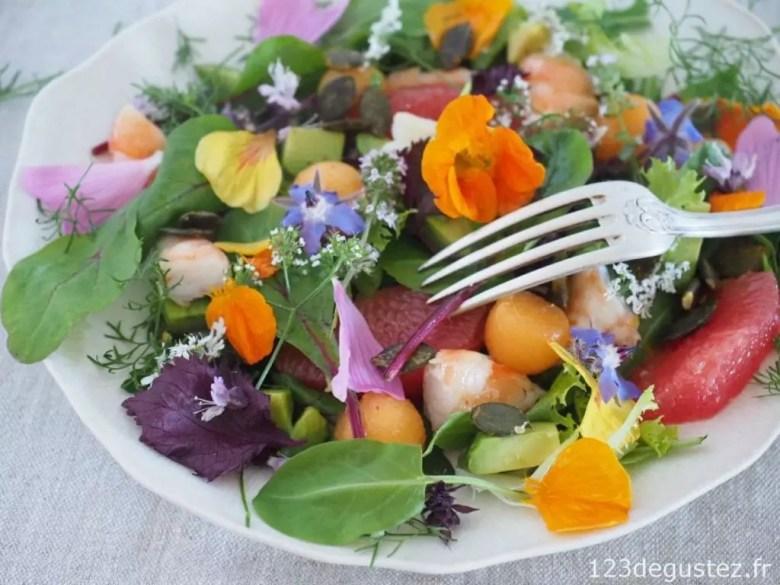 salade de fleurs et herbes