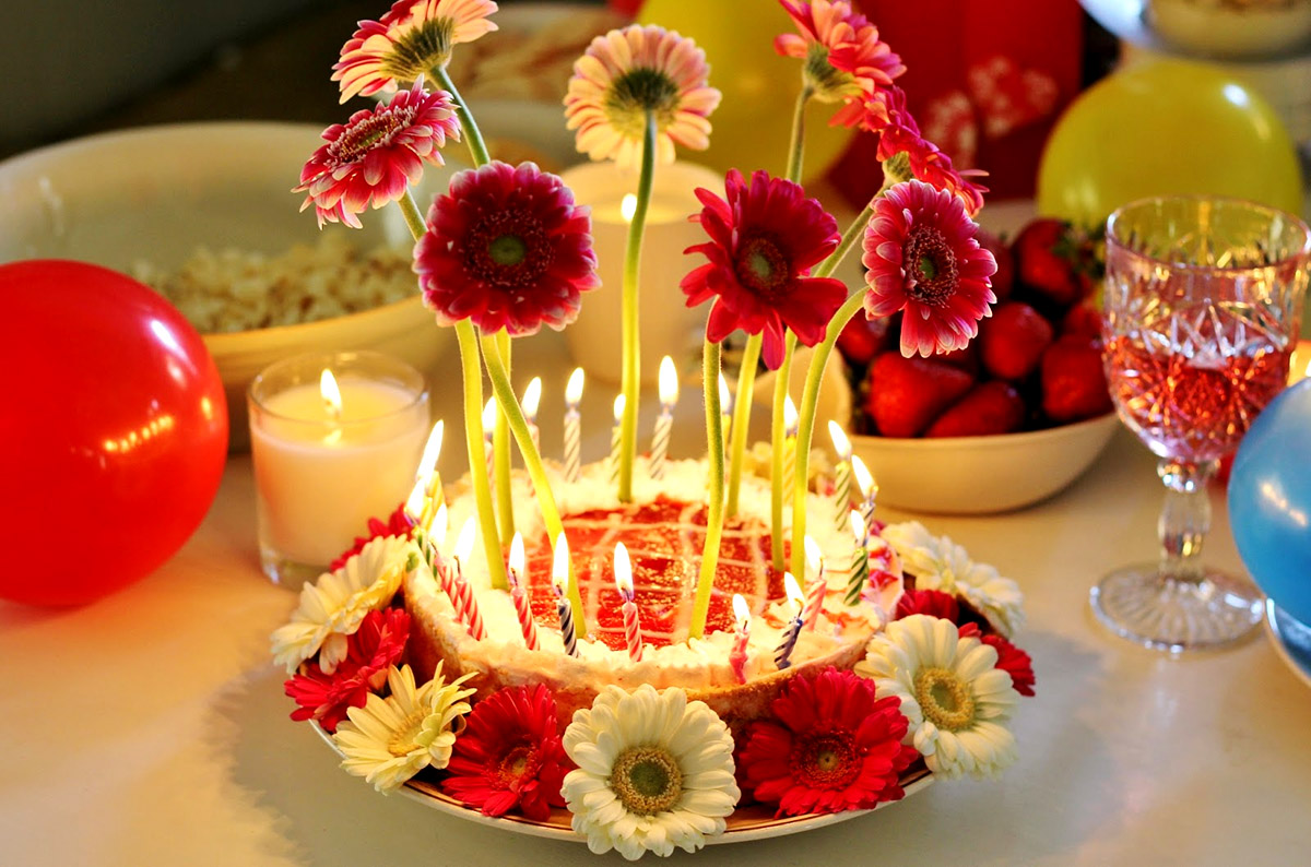 Birthday Wishes With Cake And Flowers And Candles Image
