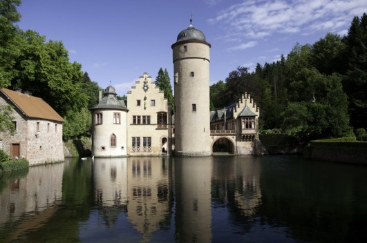 Sightseeing transfer to Mespelbrunn castle