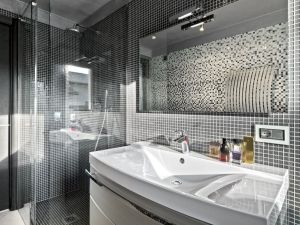glass time-bathroom