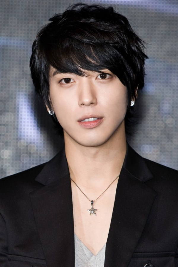 Jung Yong-Hwa as CEO: Han Seong Ho Believes the Artist Can ...