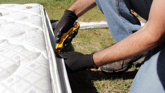 how-to-break-down-a-mattress