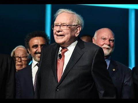 Warren Buffett's Berkshire Hathaway portfolio dumps Oracle, trims Apple