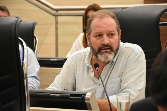 """Es preocupante que una diputada del PJ apoye las tomas ilegales en  Rosario"""", dijo el concejal Charly Cardozo   12 Noticias"""