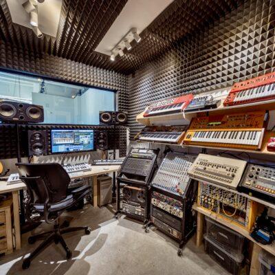 12 Tree Studios