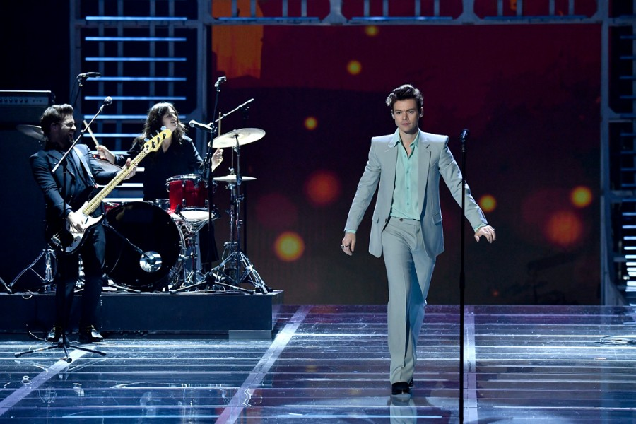 Harry Styles Performs    Only Angel    and    Kiwi    at Victoria s Secret         singer songwriter Harry Styles performed    Only Angel    and    Kiwi    for  the 2017 Victoria s Secret Fashion Show  which was broadcast on CBS on  Tuesday