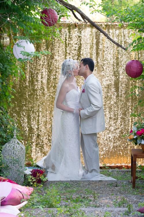 weddingfor1000.com sequin wedding backdrop