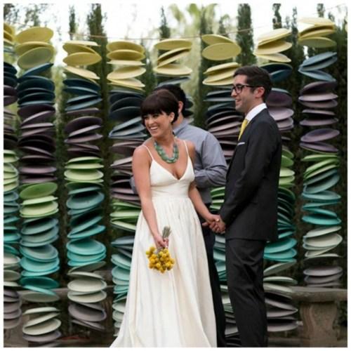 paper plates ceremony backdrop ideas weddingfor1000.com