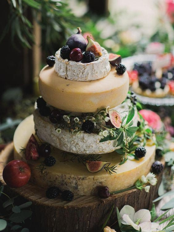 Ten Totally Tasty Wedding Cake Alternatives - weddingfor1000.com