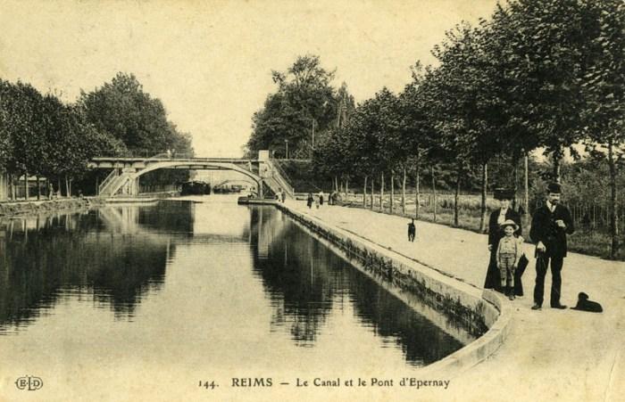 ob_995062_le-canal-et-le-pont-d-epernay-1914-800