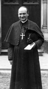 Cardinal Amette, en 1913