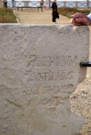1024px-Caesarea_maritima_BW_5