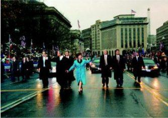 Bushes_parade_January_20,_2001