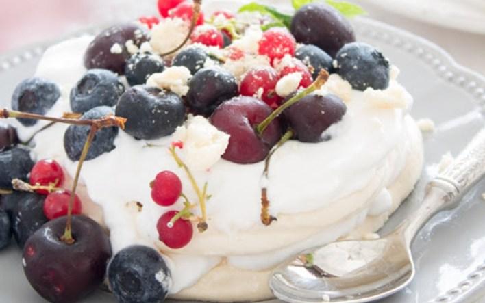 Vegan Pavlova With Coconut Whipped Cream