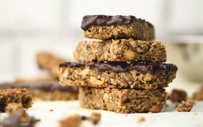 Chocolate nut and seed granola bars