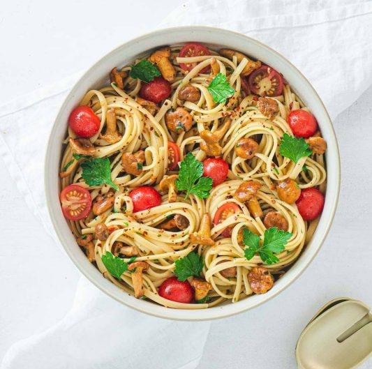 Vegan Linguine with Chanterelle Mushrooms