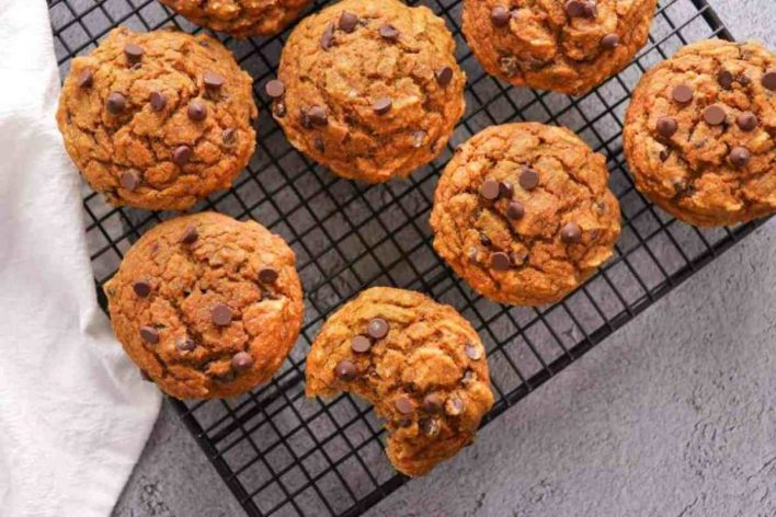 Vegan Whole-Wheat Chocolate Chip Pumpkin Muffins