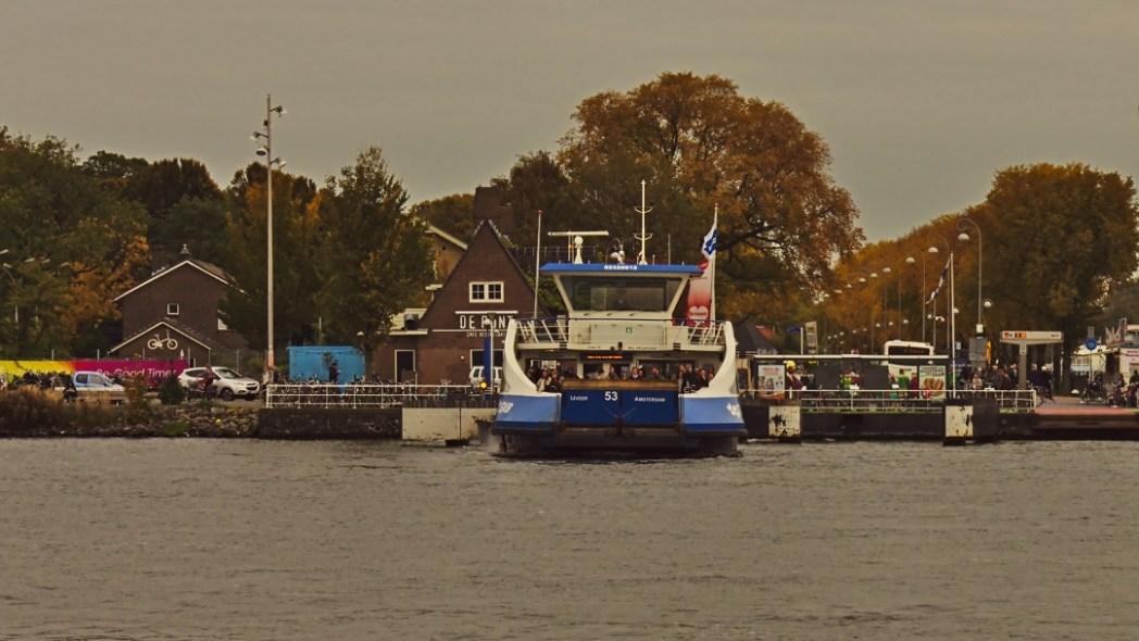 Amsterdam mit Fähre