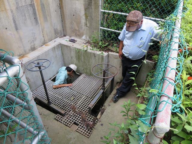 マルコメ工場敷地の東にある配水口の水門、ここから裾花川に排水されています。