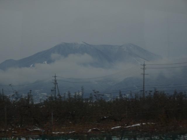 若穂付近で、飯綱山を望む